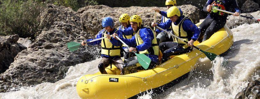 El rafting o descenso de ríos